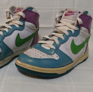 Nike Dunk LE Shoes - Size Women's 6Y